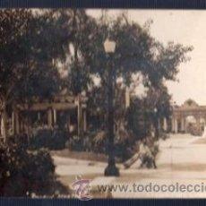 Postales: TARJETA POSTAL CIENFUEGO, CUBA. PARQUE MARTI. Lote 33463217