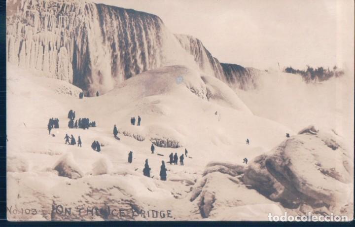 POSTAL FOTOGRAFICA CANADA - ON THE ICE BRIDGE 103 - CHUTES DU NIAGARA (Postales - Postales Extranjero - América)