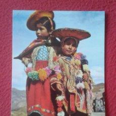 Postales: POST CARD PERÚ SUDAMÉRICA CUZCO DOS NIÑOS INDÍGENAS CON VESTIMENTA TÍPICA INDIAN CHILDREN FAUCETT.... Lote 204518271