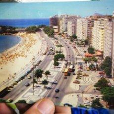 Postales: POSTAL RÍO DE JANEIRO BRASIL PLAYA DE COPACABANA 1987 ESCRITA Y BELLAMENTE SELLADA. Lote 207128150