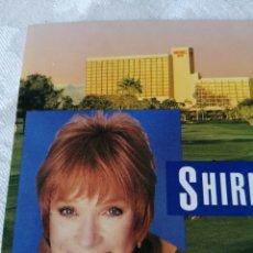 Postales: SHIRLEY MACLANE AT THE DESSERT INN. 1992. POST CARD. TARJETA POSTAL.. Lote 207318446