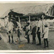 Postales: MISIONERO FRAY LUIS DE TAVARES, EN GUARENAS 1947, POSTAL FOTOGRÁFICA, VENEZUELA?. Lote 207842135