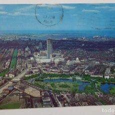 Postales: POSTAL BOSTON AIR VIEW FENWAY PARK DOWNTON. MIKE ROBERTS. CIRCULADA ESCRITA 1968. Lote 240907110