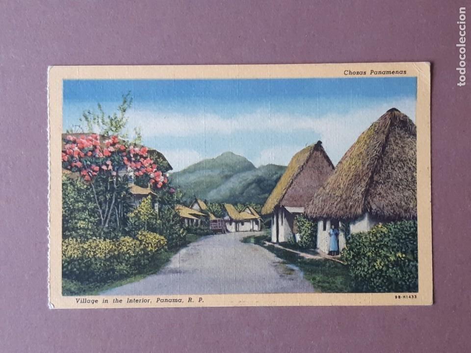 POSTAL GENUINE CURTEICH CHICAGO C. T. ART COLORTONE. CHOZAS PANAMENAS. PANAMA. ESCRITA SIN CIRCULAR. (Postales - Postales Extranjero - América)