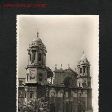 Postales: POSTAL DE CADIZ: 71 - SANTA CATEDRAL. FACHADA PRINCIPAL. ED.ARRIBAS. Lote 561159