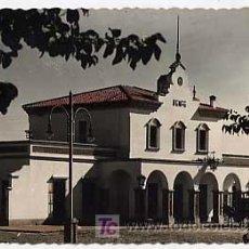Postales: HUELVA. AYAMONTE. ESTACION FERROCARRIL. ED. CASA REYES. CIRCULADA EN 1957. Lote 17442852