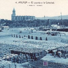 Postales: MALAGA. EL PUERTO Y LA CATEDRAL.NO CIRCULADA.. Lote 21817313