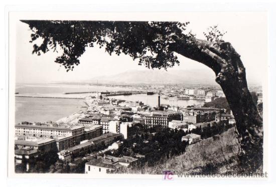 TARJETA POSTAL DE MALAGA. VISTA PARCIAL DESDE GIBRALFARO. FOTO DIEGO CORTES (Postales - España - Andalucía Antigua (hasta 1939))