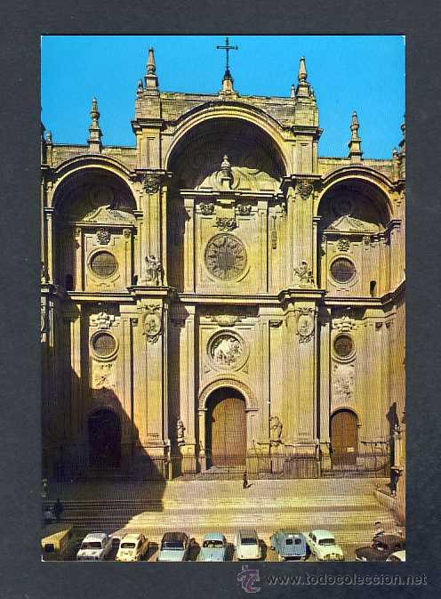 POSTAL DE GRANADA: CATEDRAL. SEAT 600, CITROEN (ED.VISTABELLA) (Postales - España - Andalucia Moderna (desde 1.940))