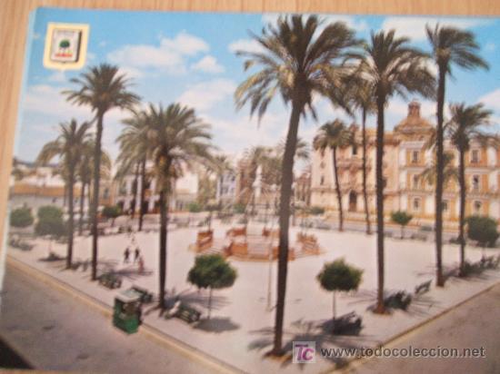 HUELVA. PLAZA DE LA MERCED Y CATEDRAL AL FONDO. (Postales - España - Andalucia Moderna (desde 1.940))