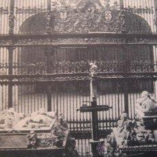 """Postales: """"GRANADA. CAPILLA REAL. TUMBAS DE LOS REYES CATÓLICOS"""". CIRCULADA 1928. SELLO 15 CTS ALFONSO XIII . Lote 31180743"""