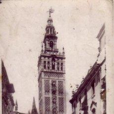 Postales: SEVILLA - POSTAL FOTOGRAFICA DE LA GIRALDA Y LA PLAZA DE LA VIRGEN DE LOS REYES. Lote 35490009
