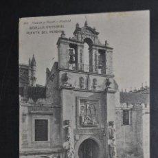 Postales: ANTIGUA POSTAL DE SEVILLA. CATEDRAL, PUERTA DEL PERDON. FOTPIA. HAUSER Y MENET. CIRCULADA. Lote 43729119
