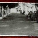 Postales: FOTOGRAFIA DE FUENSANTA DE MARTOS (JAEN), PASEO DE LA FUENTE, 1950 APROX. MIDE 18 X 11 CMS. APROX.. Lote 44341818