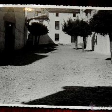Postales: FOTOGRAFIA DE RUS (JAEN), CALLE CALVO SOTELO, 1950 APROX. MIDE 17,58 X 11,6 CMS. APROX. FOTOGRAFIA O. Lote 44427844