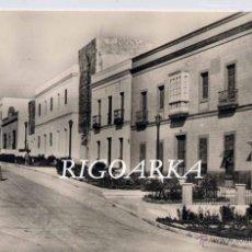 Postales: TARIFA (CÁDIZ).- ENTRADA A LA POBLACIÓN POR LA CARRETERA DE ALGECIRAS. Lote 47602968