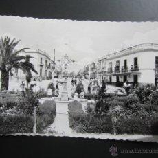 Postales: POSTAL SEVILLA, UTRERA. PLAZA DE SANTA ANA Y CALLE AMILIO MOLA. CIRCULADA. Lote 47610708
