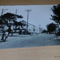 Cartes Postales: POSTAL ANTIGUA DE FUENGIROLA, MALAGA AVENIDA DEL EJERCITO 1956 CIRCULADA. Lote 54012826