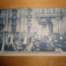 Postales: ANTIGUA POSTAL SEMANA SANTA SEVILLA - CIGARRERAS SALIENDO DE FABRICA TABACOS NUM 512 MANUEL BARREIRO. Lote 54548654