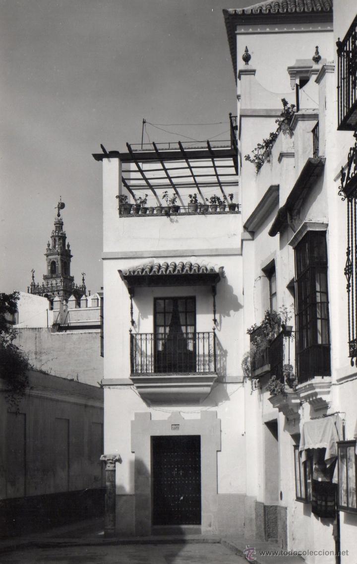 SEVILLA. RARA POSTAL FOTOGRAFICA , BARRIO DE SANTA CRUZ. ESCRITA (Postales - España - Andalucia Moderna (desde 1.940))