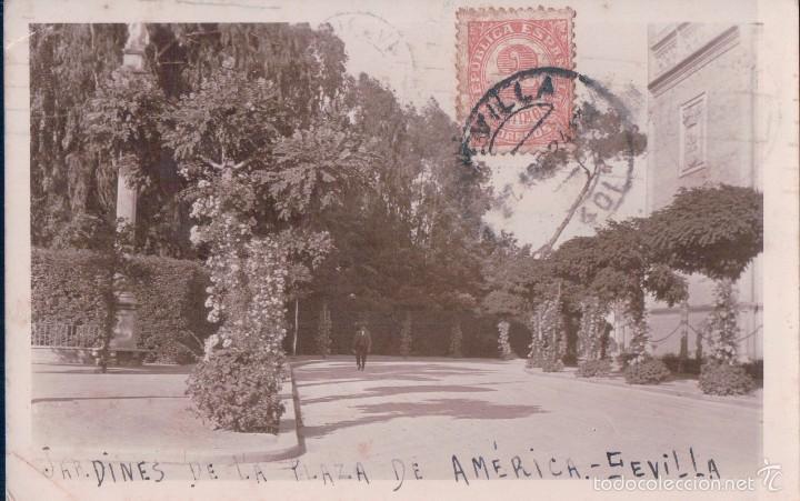 POSTAL FOTOGRAFICA JARDINES DE LA PLZA DE AMERICA - SEVILLA - CIRCULADA - VER REVERSO (Postales - España - Andalucía Antigua (hasta 1939))