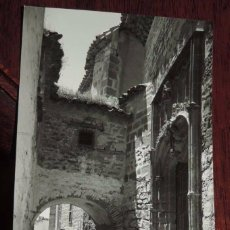 Postales: FOTO POSTAL DE BAEZA (JAEN), N. 1012, CATEDRAL. PUERTA DEL PERDÓN. EDIC. ARRIBAS Nº 1012. NO CIRCUL. Lote 88445260