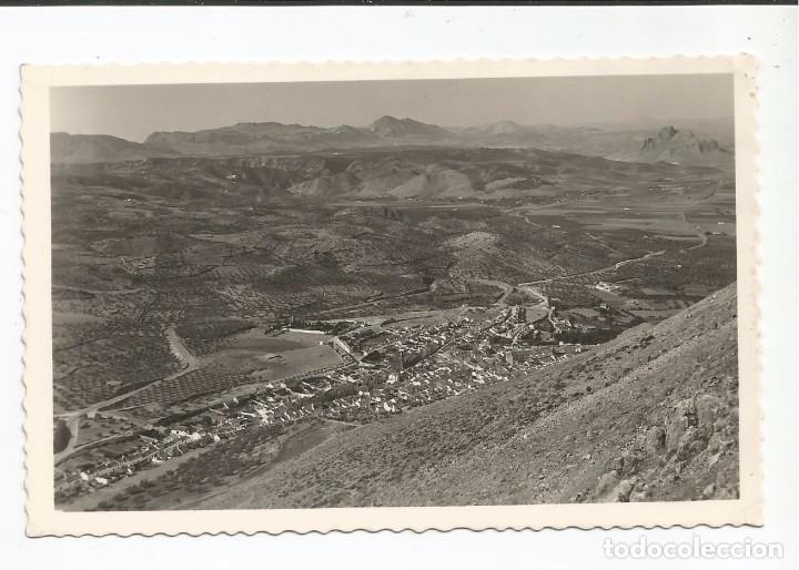 ARCHIDONA - VISTA DE PÁJARO Y CARRETERA ANTEQUERA. AL FONFO LA PEÑA DE LOS ENAMORAD - Nº 15 ED.ORTIZ (Postales - España - Andalucia Moderna (desde 1.940))