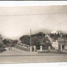 Postales: TORREMOLINOS - CARRETERA GENERAL Y CHALETS - Nº 319 ED. ARRIBAS. Lote 90784720