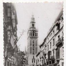 Postales: SEVILLA. CALLE DE MATEOS GAGO Y LA GIRALDA. FRANQUEADA EN EL AÑO 1952.. Lote 90836190