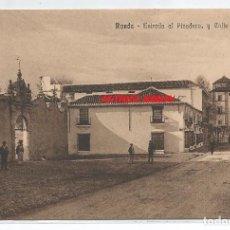 Postales: RONDA .- ENTRADA AL PICADERO Y CALLE SAN CARLOS .- EDICION GRAN BAZAR LA ALIANZA . Lote 93197950