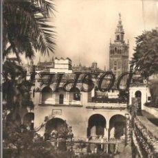 Postales: POSTAL, SEVILLA, LA GIRALDA DESDE LOS REALES ALCÁZARES, SIN CIRCULAR. Lote 93584420