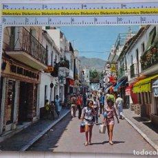 Cartes Postales: POSTAL DE MÁLAGA. AÑO 1969. TORREMOLINOS, CALLE SAN MIGUEL. MUJERES TURISTAS. 1392. Lote 97475047