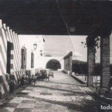 Postales: TERRAZA DE LA ESCUELA DE MANDOS MENORES SAN FRANCISCO DE LAS FALANGES JUVENILES FRANCO MARBELLA. Lote 111636163