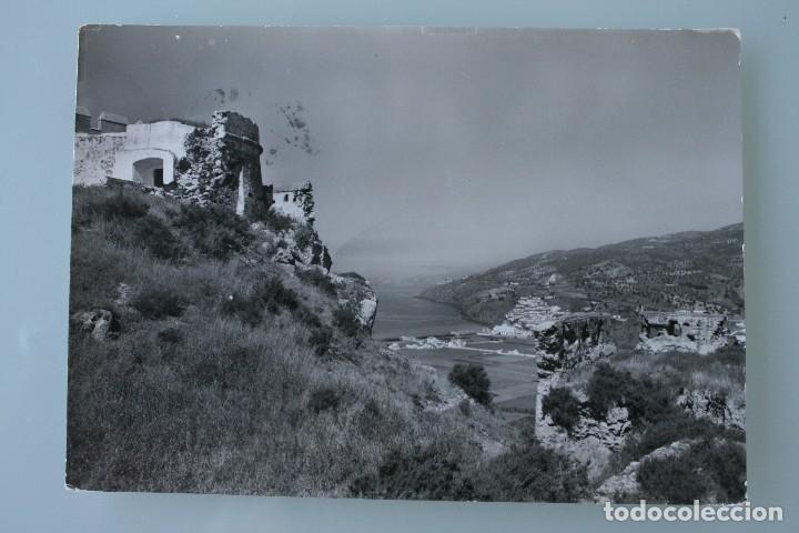 ANTIGUA TARJETA POSTAL FOTO SALOBREÑA (GRANADA) VISTA DESDE EL CASTILLO ARABE – AÑOS 60 – CIRCULADA (Postales - España - Andalucia Moderna (desde 1.940))