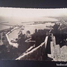 Postales: FOTO POSTAL DE MALAGA, N. 36, PUERTO DESDE GIBRALFARO, EXCLUSIVAS ALAMOS, CIRCULADA.. Lote 122441007