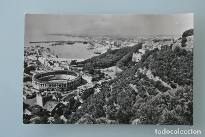 ANTIGUA POSTAL BLANCO Y NEGRO MALAGA VISTA DESDE GIBRALFARO SIN CIRCULAR – EN PERFECTO ESTADO (Postales - España - Andalucia Moderna (desde 1.940))