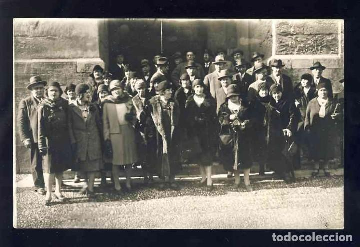 FOTO-POSTAL DE CORDOBA: GRUPO DE PERSONAS. FOTOGRAFICA ANTIGUA (FOTO SANTOS, CORRESPONSAL GRÁFICO) (Postales - España - Andalucía Antigua (hasta 1939))