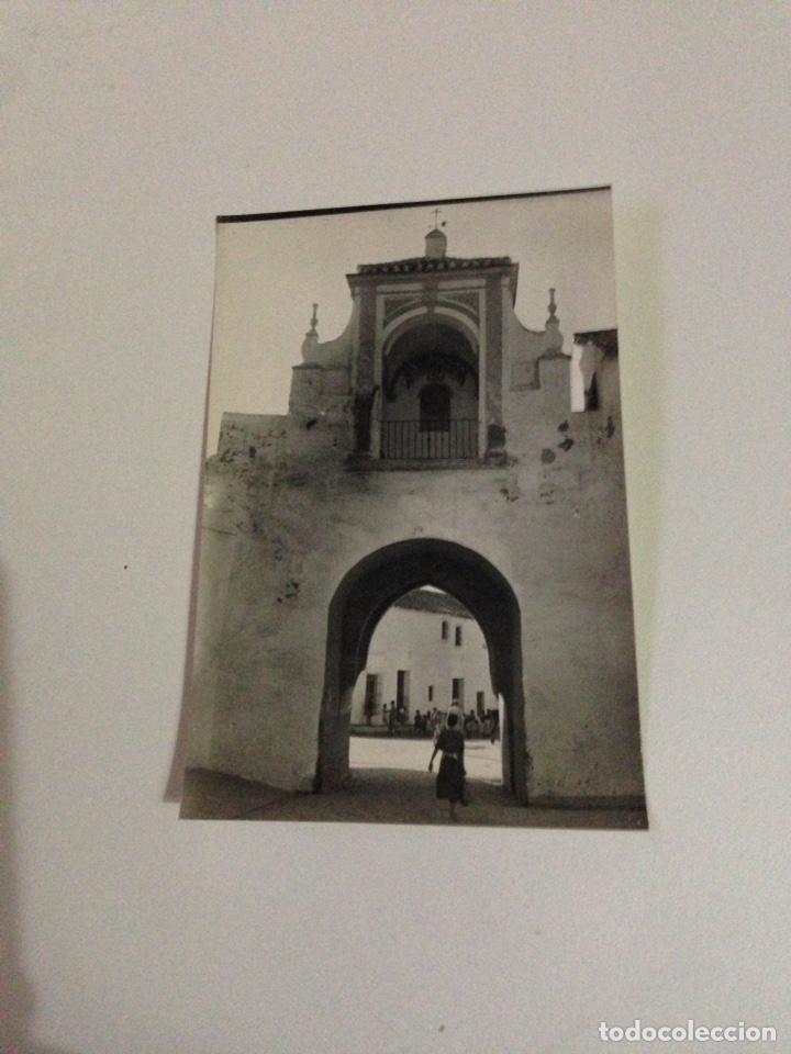 POSTAL ANTIGUA,2-UTRERA,ARCO Y PIERTA DE LA VILLA (SIGLO XIV). (Postales - España - Andalucía Antigua (hasta 1939))