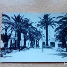 Postales: POSTAL CHIPIONA PLAZA GENERAL FRANCO 1964 CIRCULADA EDICIONES MALET. Lote 137773970