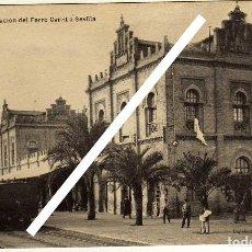 Postales: BONITA Y RARA POSTAL - HUELVA - ESTACION DEL FERRO CARRIL A SEVILLA - AMBIENTADA . Lote 139445934