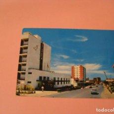 Cartes Postales: POSTAL DE TORREMOLINOS. VISTA PARCIAL. HOTEL DELFÍN. BEASCOA. CONCURSO EL PRECIO JUSTO.. Lote 140032362