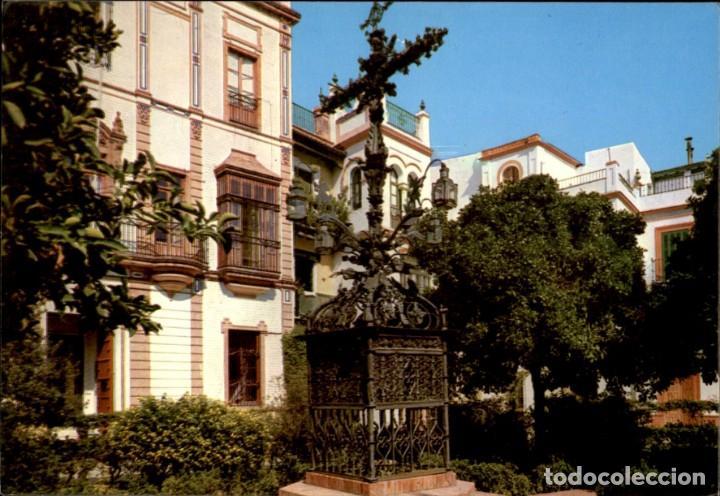 Sevilla 117 La Plaza De Santa Cruz