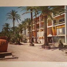 Postales: TORREMOLINOS, MALAGA, PALMERALES EN LA CALLE. Lote 147855902