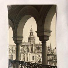 Postales: SEVILLA. POSTAL NO.86, CATEDRAL Y GIRALDA. EDITA: EDICIONES DELFLOR (H.1960?). Lote 156856829