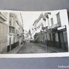 Postales: POSTAL FOTOGRÁFICA CIRCULADA DE ARCHIDONA - CALLE DEL GENERALÍSIMO FRANCO FRANCO. Lote 168649728
