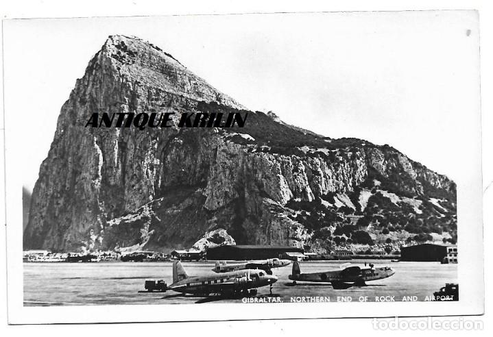 GIBRALTAR .- NORTHERM END OF ROCK AND AIRPORT .- FOTOGRAFICA (Postales - España - Andalucia Moderna (desde 1.940))