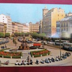 Postales: GRANADA PLAZA VESPA COCHES SEISCIENTOS PUERTA REAL. Lote 171787323