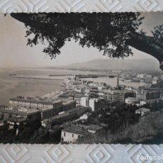 Postales: MALAGA. PUERTO DESDE GIBRALFARO. POSTAL SIN ESCRIBIR. FOTO DIEGO CORTES, MALAGA.. Lote 172330782