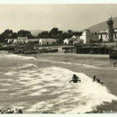 Postales: MARBELLA, DETALLE DE LA PLAYA DEL FARO, EDIC. ARRIBAS. Lote 176001754