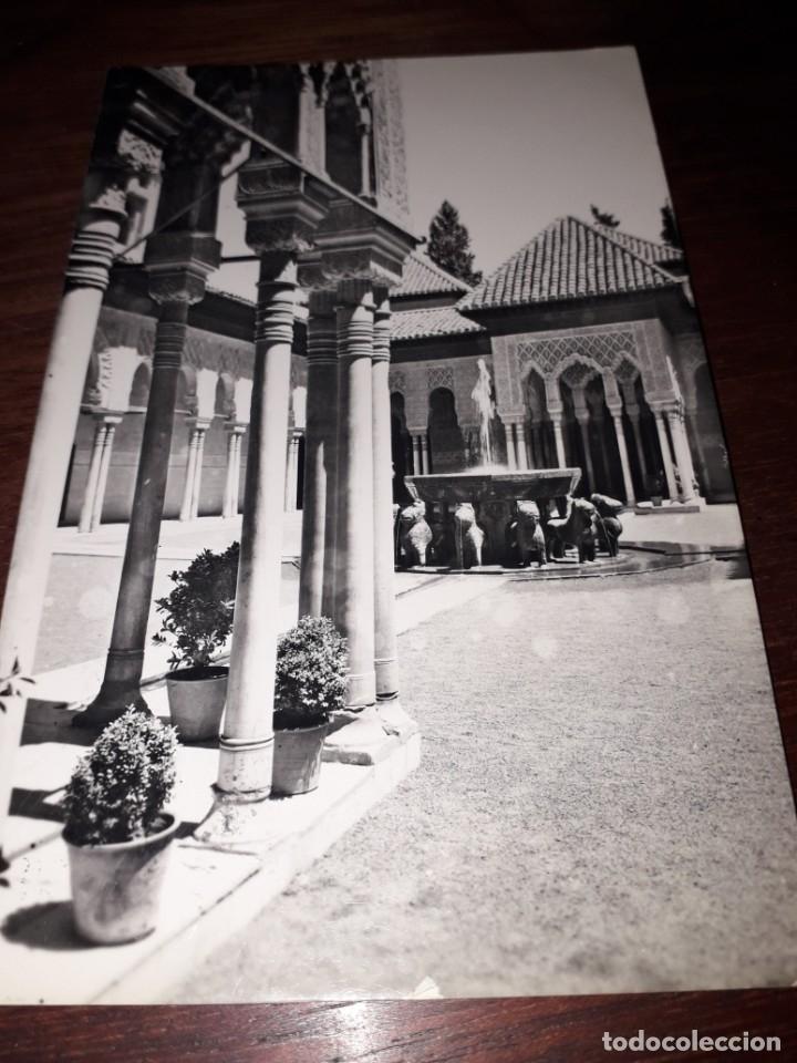 Nº 11716 POSTAL GRANADA ALHAMBRA PATIO DE LOS LEONES (Postales - España - Andalucia Moderna (desde 1.940))
